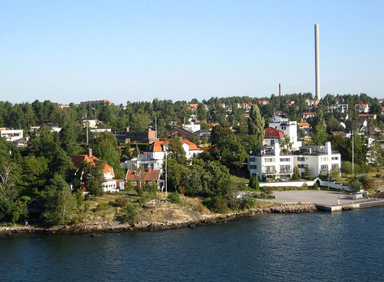 Швеция. Вид на остров с борта корабля