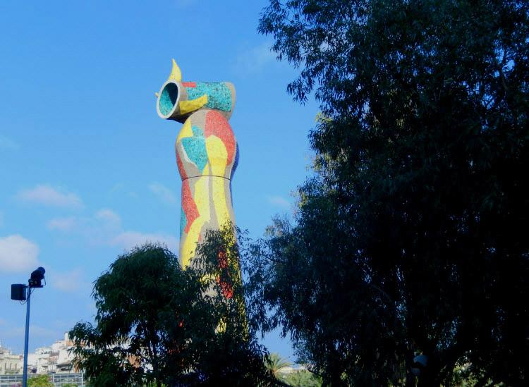 "Жуан Миро. Скульптура ""Женщина и птица"""
