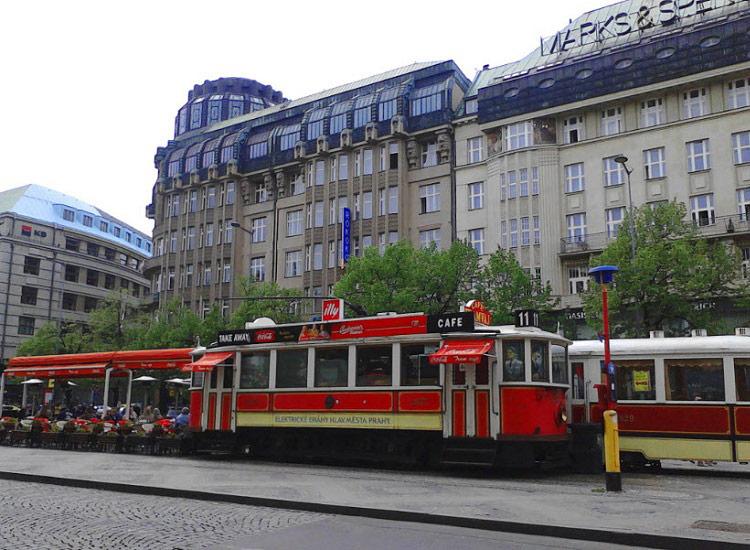 """Кафе """"Красный трамвай"""""""