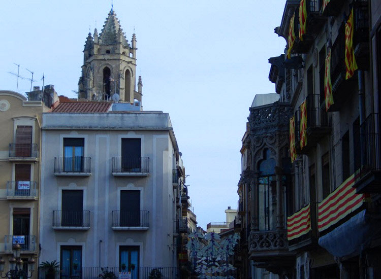 Реус. Вид на колокольню собора