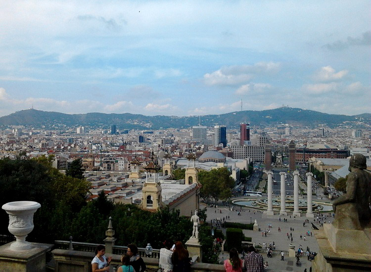 Панорама Барселоны с горы Монтжуик