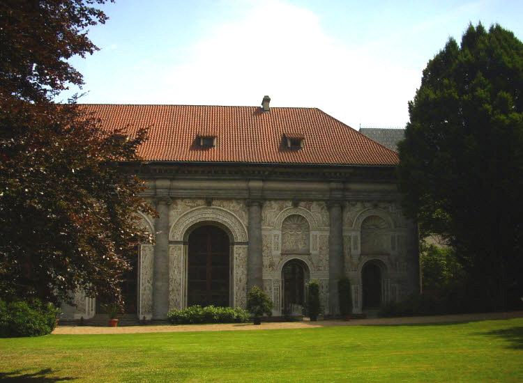 Королевский сад. Зал для игры в мяч