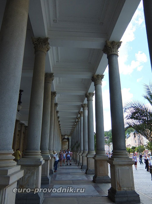 Млынская колоннада