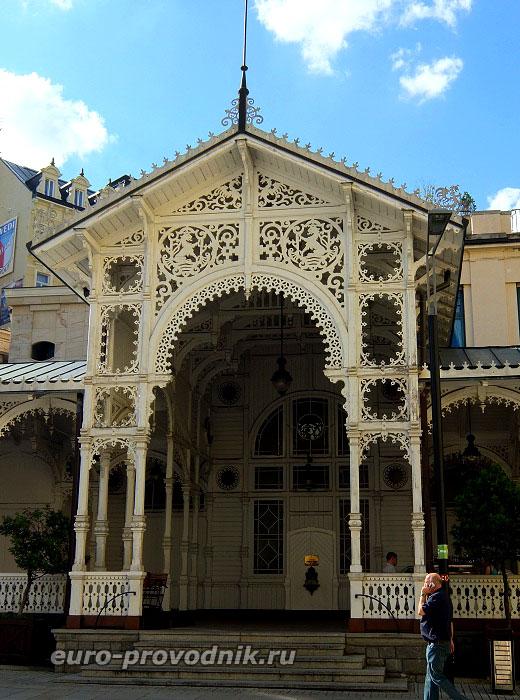 Арка Замковой колоннады