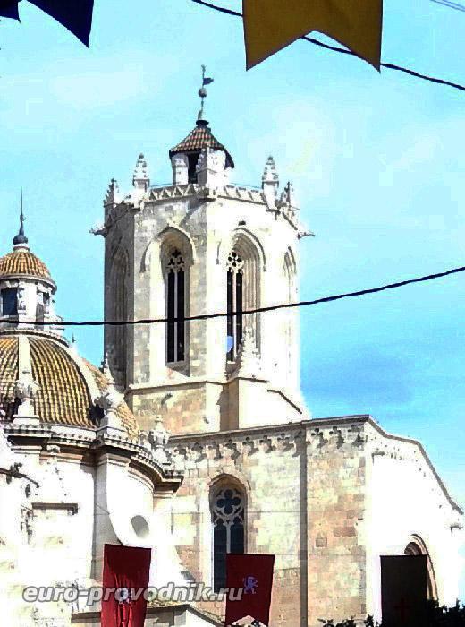 Колокольня собора Св. Теклы