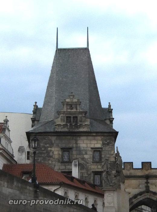 Романская мостовая башня