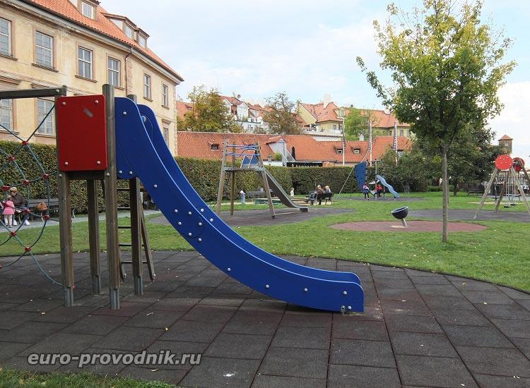 Детская площадка на Кампе