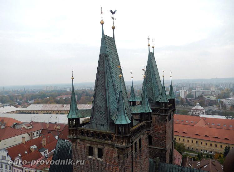 Башни собора Святого Духа