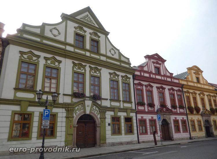 Разноцветная архитектура Градец Кралове
