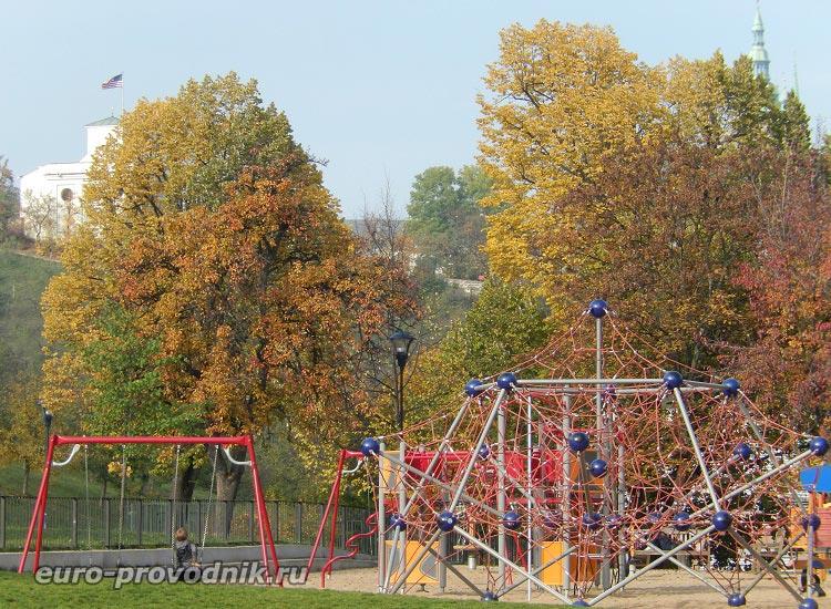 Детская площадка на Петршине