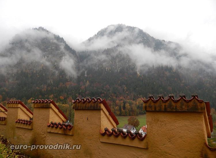 Вид на Альпы с обзорных площадок Хоэншвангау