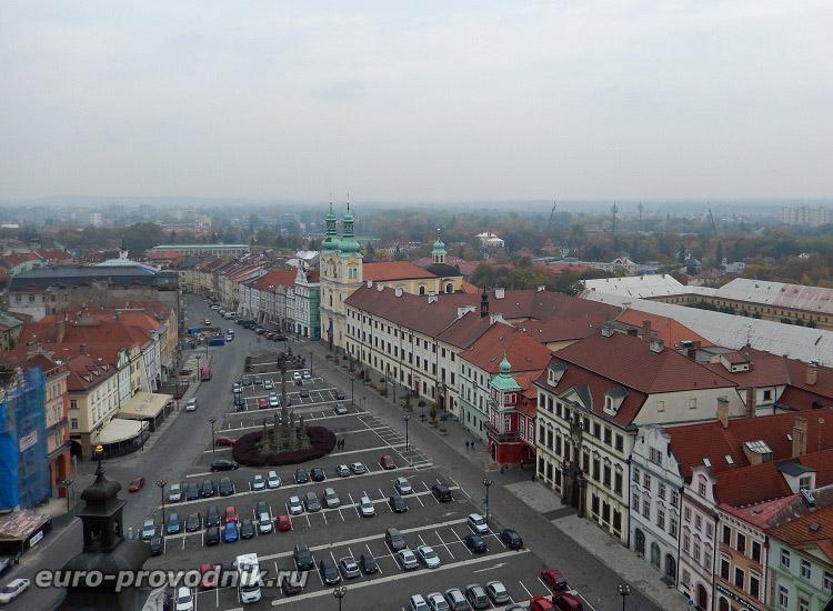 Вид на площадь с Белой Башни