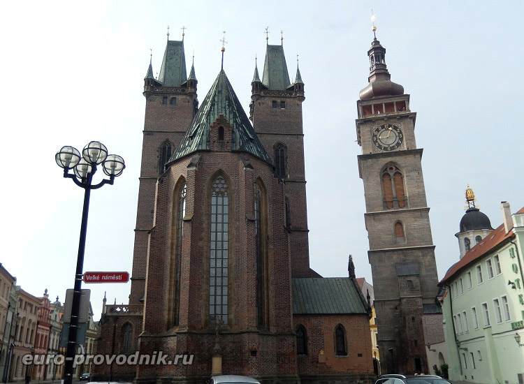 Готический собор и ренессансная башня