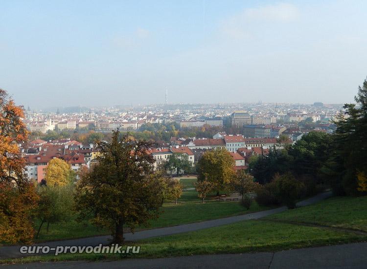 Вид на Прагу с Петршинских садов