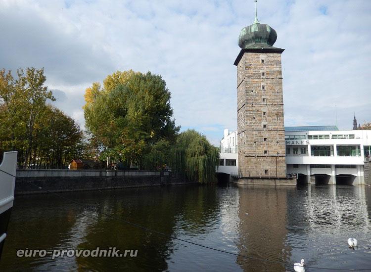 Вид на Шитковскую водонапорную башню