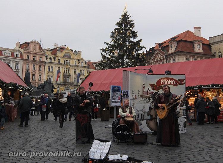 Артисты на Староместской площади