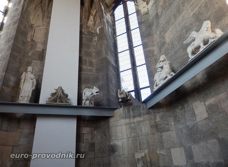 Помещение в южной башне собора