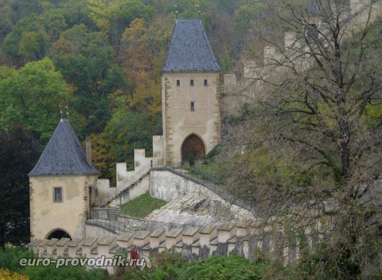 Первый вход на территорию замка