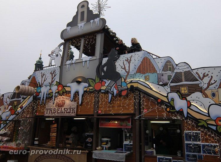 Новогоднее украшение Староместской площади