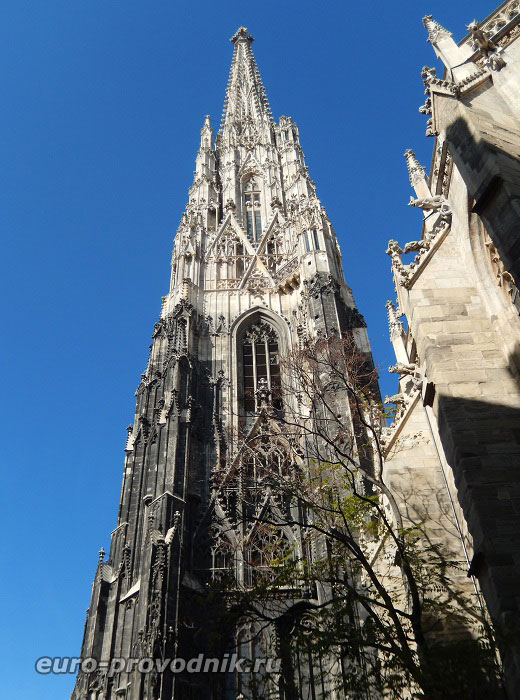 Южная готическая башня собора