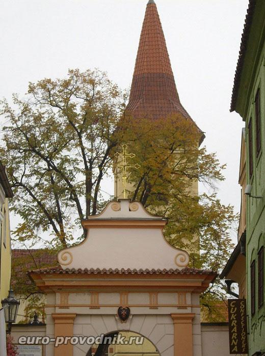 Вход в монастырь крестоносцев