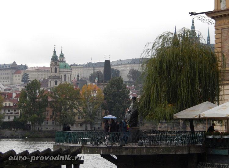 Памятник Бедржиху Сметана