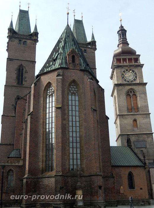 Собор Святого Духа и Белая башня