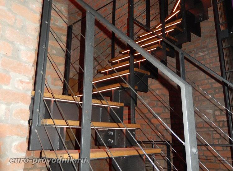 Лестница внутри Белой башни