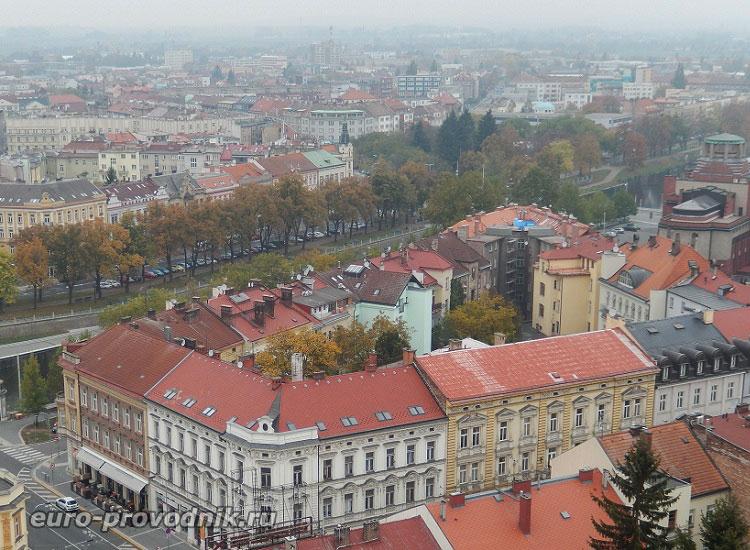 Вид на Градец Кралове с Белой башни