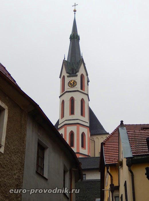 Неоготическая башня костела Святого Вита
