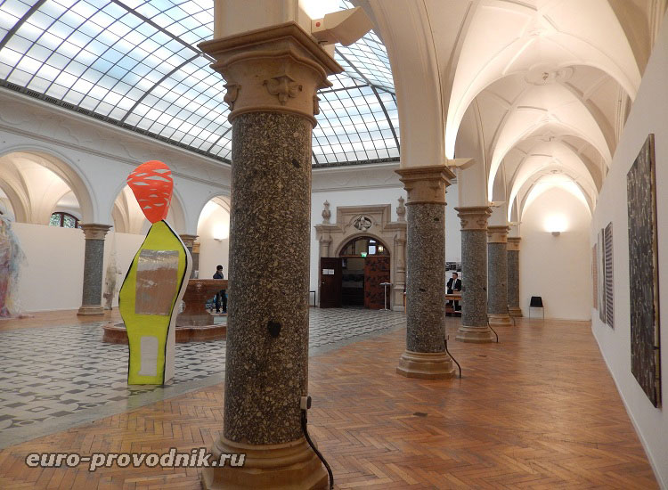 Выставочный зал в новой ратуше