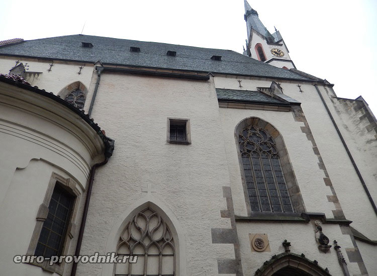 Фасад костела Святого Вита