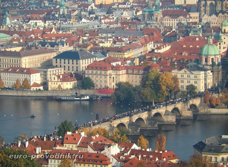 Прага. Вид на Карлов мост