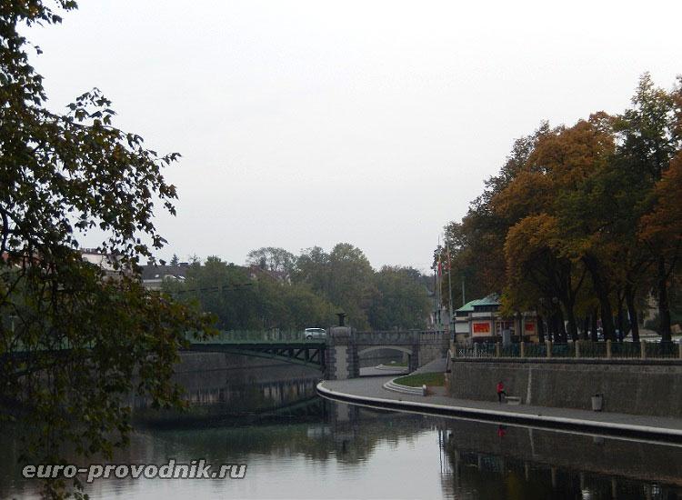 Пражский мост и Эльба