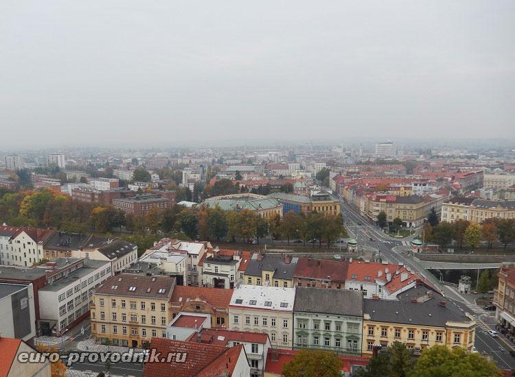 Вид с Белой башни на правобережную часть города