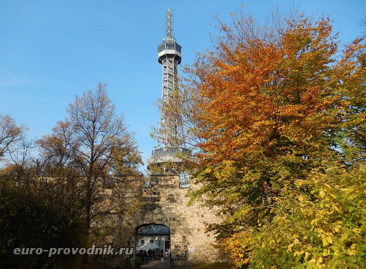 Петршинская башня и Голодная стена