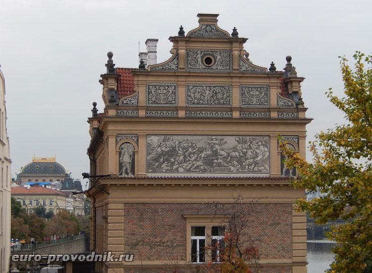 Сграффито на фасаде музея