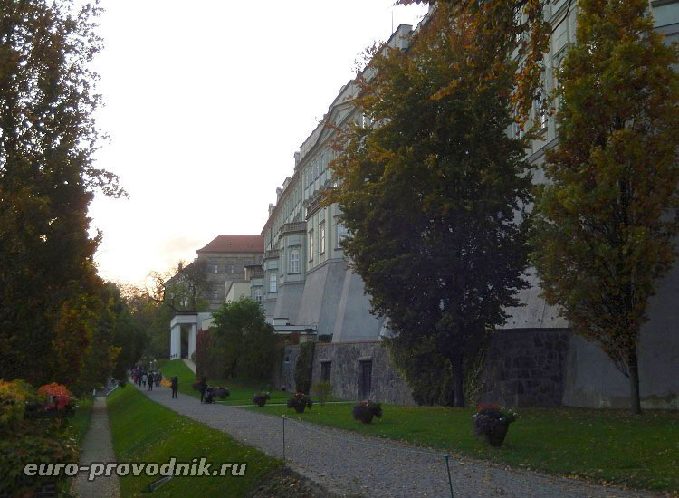 Аллеи королевских садов в Праге