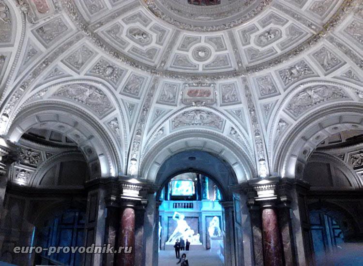 Внутренняя отделка музея истории искусств
