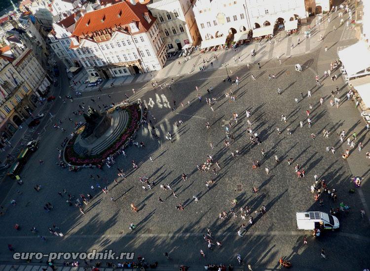 Вид с башни на Староместскую площадь