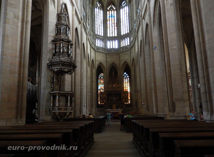 В соборе Святой Варвары