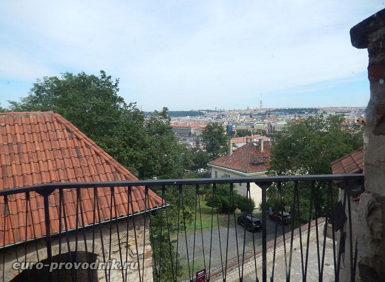 Вид на Прагу со стен Пражского Града