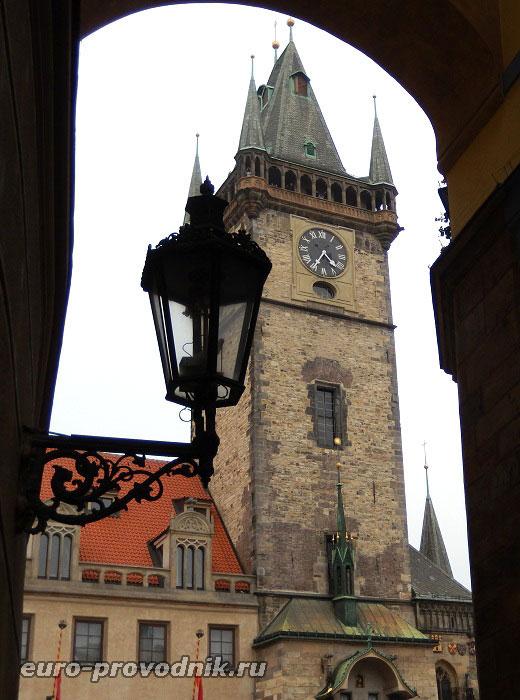 Вид на готическую башню