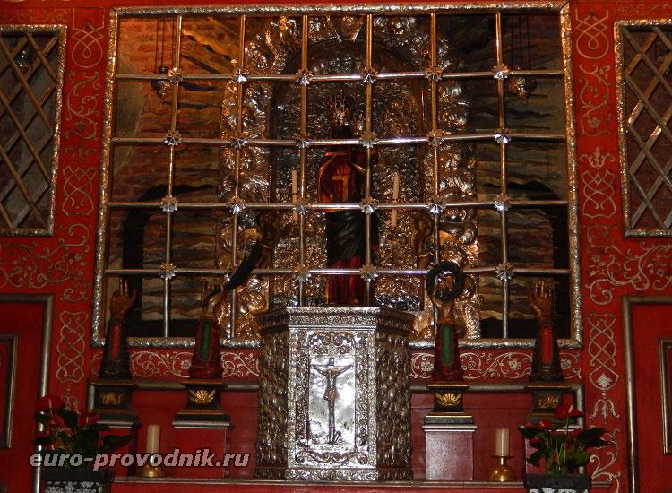 Серебряный алтарь Девы Марии