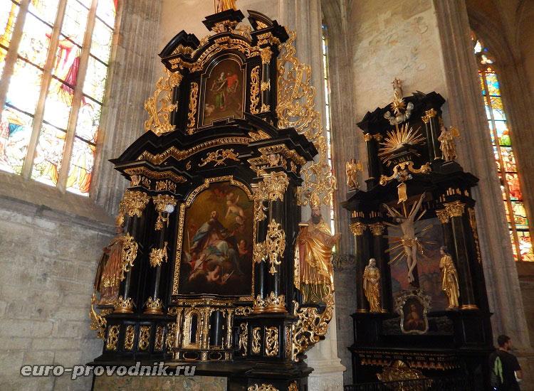 Интерьер собора Святой Варвары