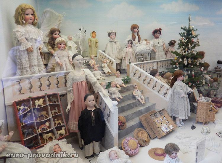 Куклы прошедших веков