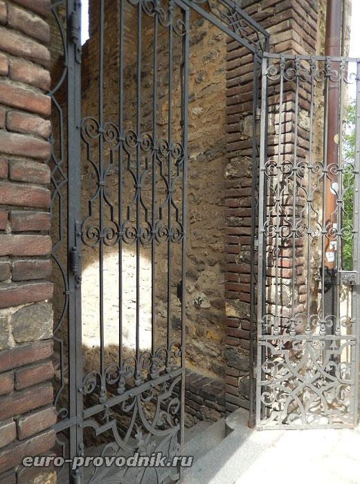Решетчатые ворота Далиборки