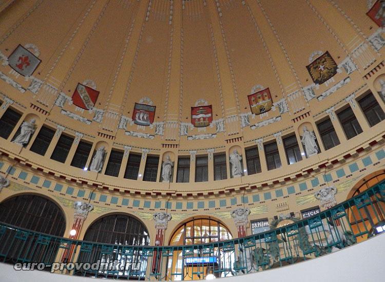 Оформление Hlavní nádraží в Праге