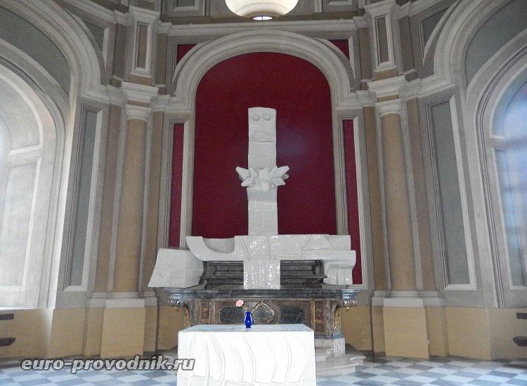 Пьета в кафедральном соборе