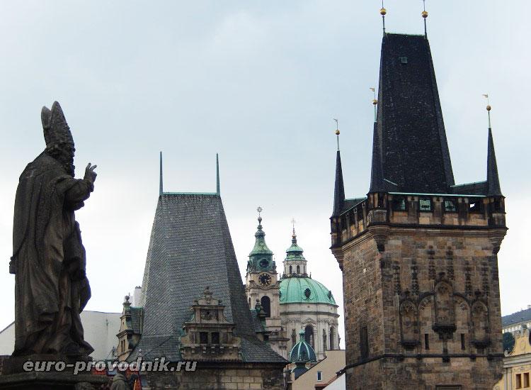 Башни и скульптуры Карлова моста